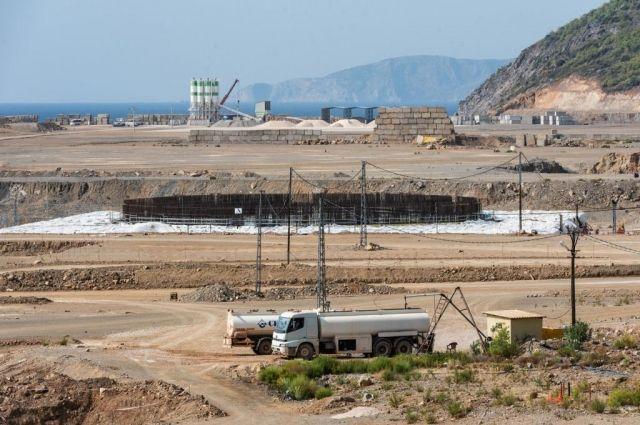 На фото - турецкая атомная электростанция «Аккую».