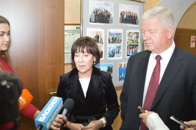 Председатель ФНПР М. Шмаков и председатель ФПСК Т. Чечина ответили на вопросы журналистов.
