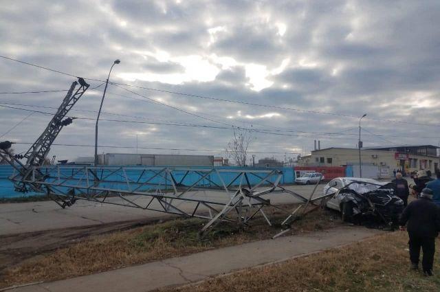 Врезался в ЛЭП: в Оренбурге водитель Hyundai обесточил несколько районов.