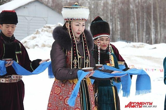 Национальный костюм для Евгении Калиновны - главная семейная ценность.