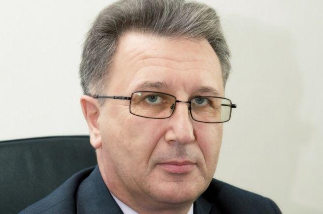 Игорь Аверин родился 3 сентября 1958 года в Башкирской АССР.
