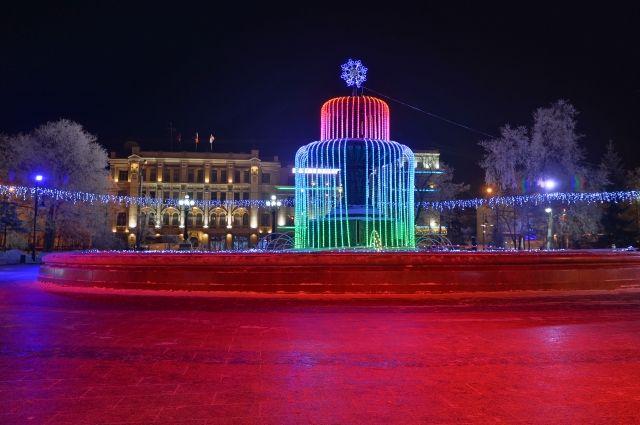 Омские улицы украсят к Новому году за 500 тысяч рублей