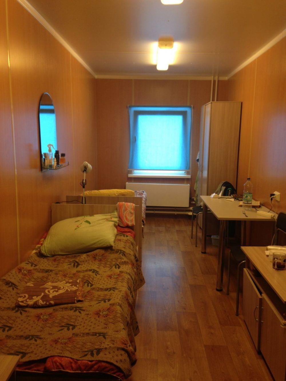 Жилая комната в общежитии.