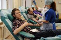 Чтобы стать потенциальным донором костного мозга, доброволец должен сдать кровь на типирование