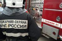 В Панаевске тушили пожар в двухэтажном доме по улице Новой