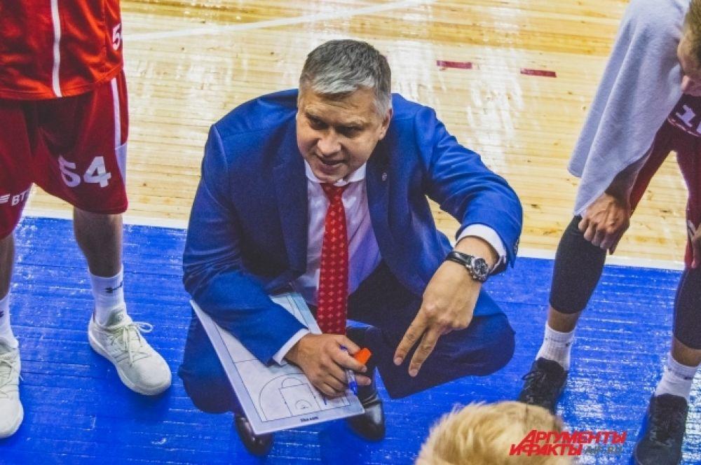Воодушевлённые атаки хозяев в третьей четверти вынудили тренерский штаб «Спартака» взять тайм-аут и перестроить игру