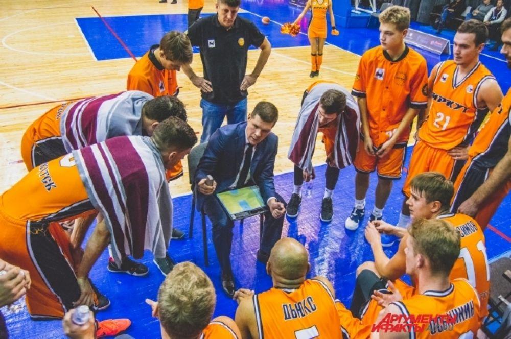 В игре со «Спартаком» первый тайм-аут тренерский штаб «оранжево-черных» вынужден был взять при счете 0:8 в пользу гостей