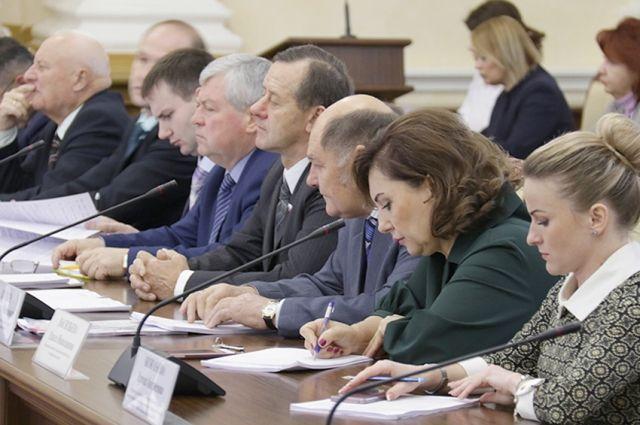 Депутатам ещё предстоит изучить и детально обсудить бюджет на заседаниях комитетов облдумы.