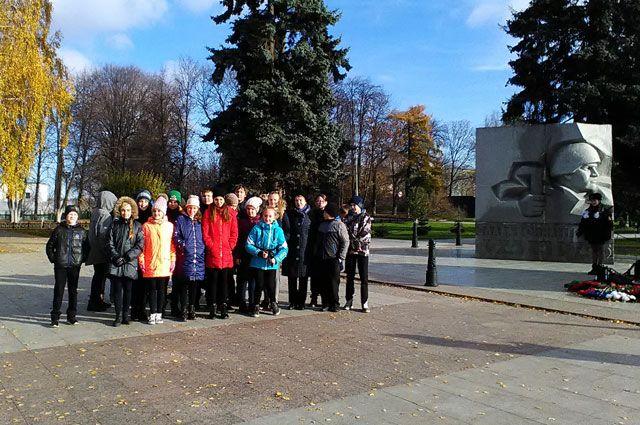 Ребятам нравятся экскурсии по местам памяти о войне.