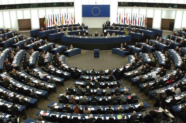 Европарламент раскритиковал Германию за позицию по транзиту через Украину
