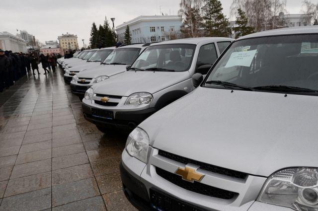 Ключи от машин вручал губернатор края