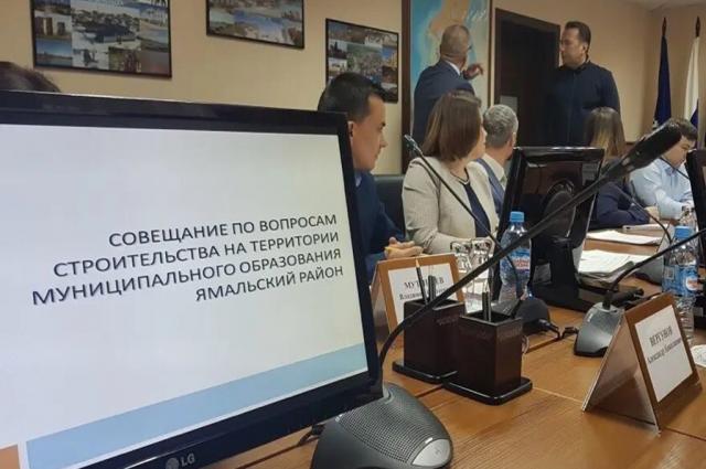 Заместитель губернатора Андрей Воронов побывал в Ямальском районе