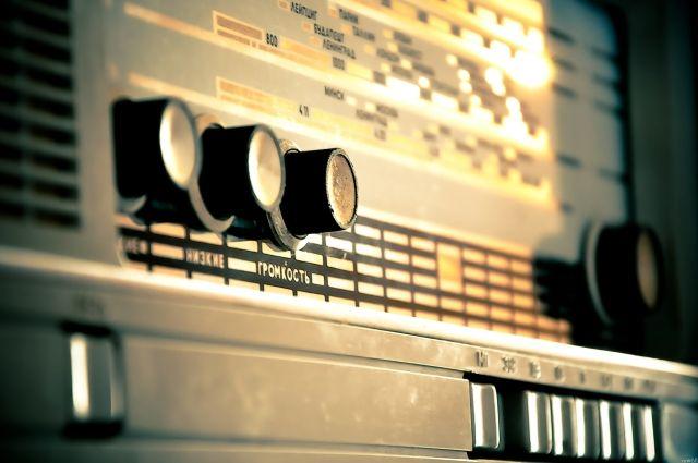 Квота на песни должна сохраняться в течение суток и во временных промежутках 7:00 - 14:00 и 15:00 - 22:00.