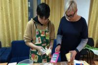 В Салехарде студенты-волонтеры испекли торты для ветеранов