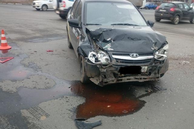 Пассажирка такси госпитализирована в больницу.