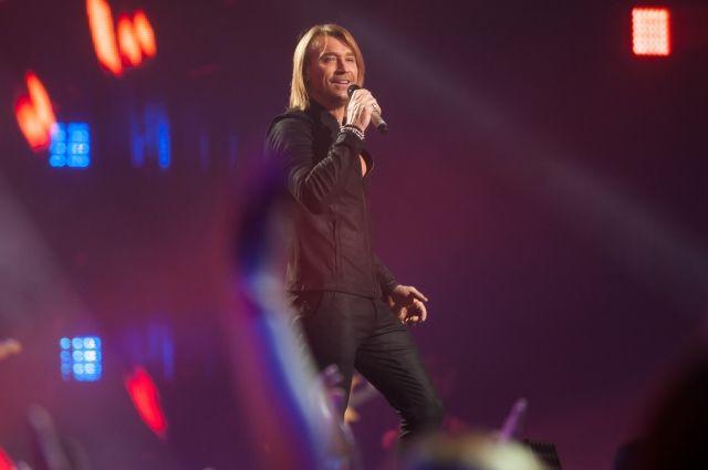 В Киеве прошел первый из двух запланированных концертов Олега Винника в столичном Дворце спорта.