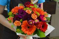 Работать в цветочном бизнесе не так просто, это тяжелый физический труд.