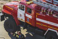 """В Оренбурге тушили пожар в детском центре """"Город детства""""."""