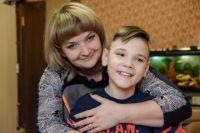 Тимур Фазлиев с мамой.
