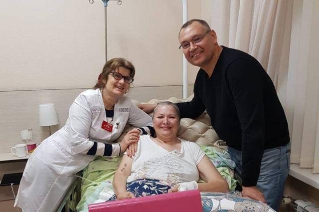 «Реабилитация должна быть доступной», - считает екатеринбурженка Маргарита Лаврухина (в центре).