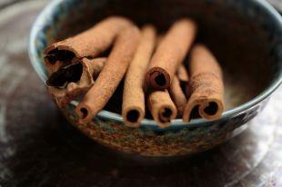 Корица - одна из самых полезных пряностей.