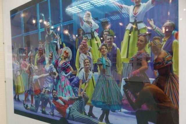 Театральная фотовыставка также откроется в метро.