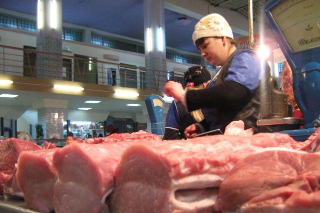 Украина стала в шесть раз больше закупать свинину за границей