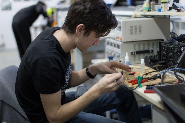Среди омутинских школьников выберут сильнейшего робототехника