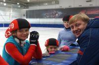 Пуровские конькобежцы привезли из Омска пять медалей