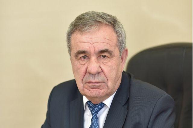 Александр Шкурин родился 16 июля 1953 года в селе Васильевка Белогорского района Амурской области.