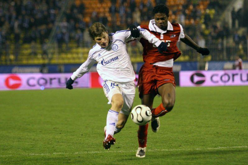 Пиком выступления Аршавина в «Зените» стала игра в победном для петербургской команды Кубке УЕФА, где футболист завил несколько важных голов.