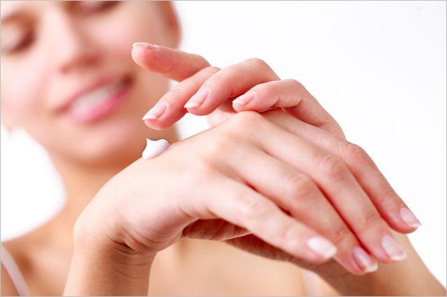 Без признаков старения. Как уберечь руки от морщин и пигментных пятен