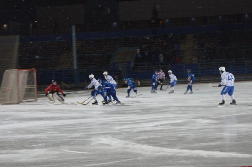 В этом матче чудеса творил вратарь «Родины» Артем Катаев.