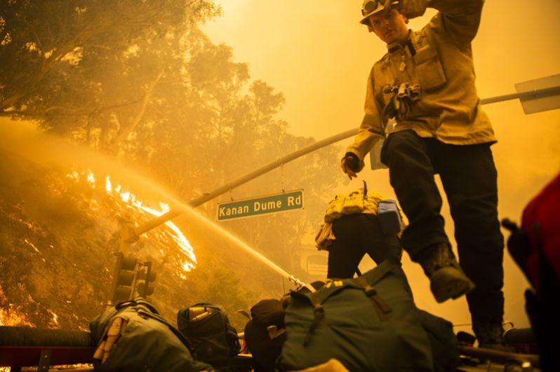 Ранее лесной пожар почти полностью уничтожил город Парадайс.