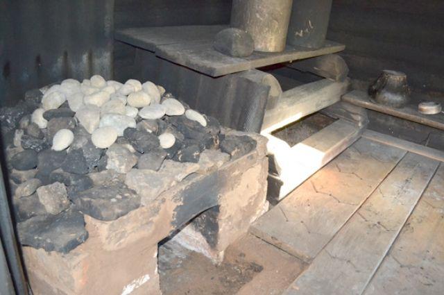Пожилая тюменка получила в бане ожоги второй степени, упав на горячую печь