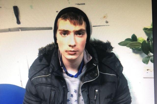 Полиция ищет 16-летнего Андрея Воронкова, который неделю не появляется дома.
