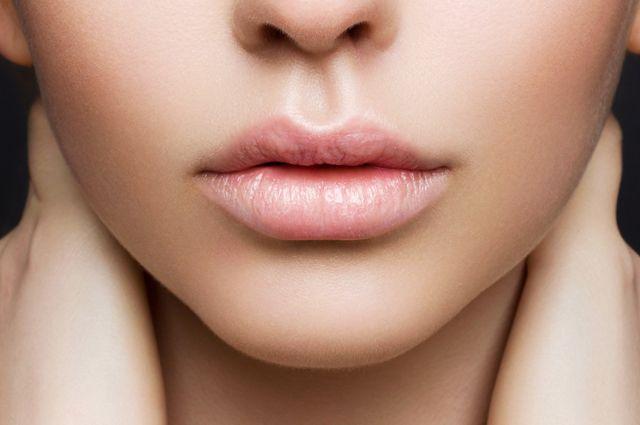 Как приготовить питательные маски для губ?