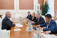 Александр Усс встретился с министром транспорта РФ Евгением Дитрихом.