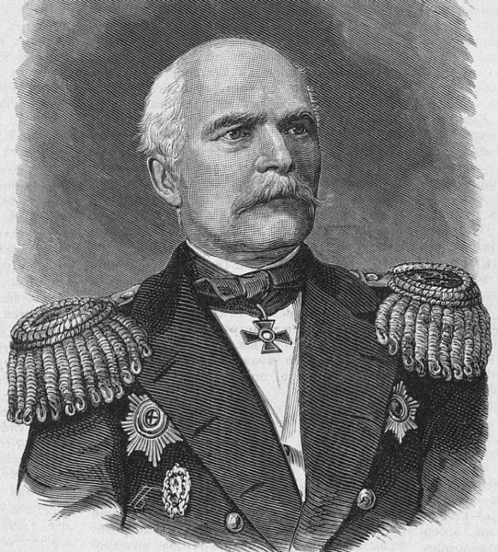 Имя адмирала Геннадия Невельского могут быть присвоено аэропортам Владивостока, Хабаровска или Южно-Сахалинска.
