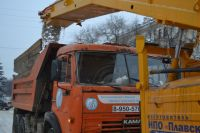 Мэр Кемерова заверил губернатора, что на дорогах города работает вся техника.