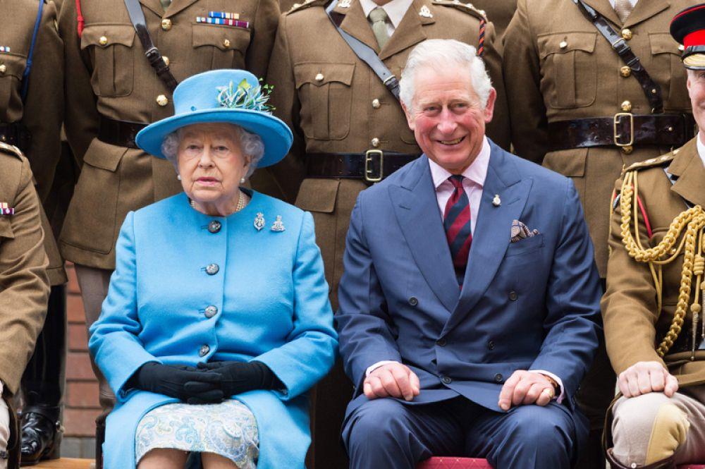 Королева Елизавета II принц Чарльз. 2017 год.