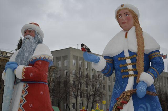 Кемеровские власти уже планируют погтовку к Новому году, до которого осталось всего полтора месяца.