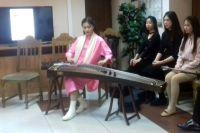 Китайский национальный инструмент гучжэн пользуется большой популярностью среди студентов Шэньянской консерватории.
