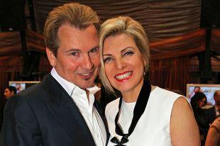 Певец Александр Малинин с супругой Эммой.