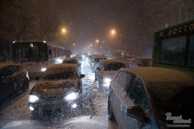 Первый снегопад парализовал Ростов