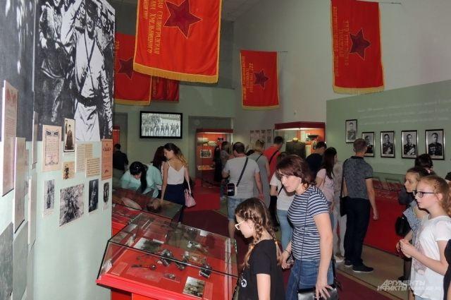 Василий Титлянов представил на конкурсе экскурсию «Знамя победы», посвященной Великой Отечественной войне, её основным этапам, итогам, также и символу победы – знамени.