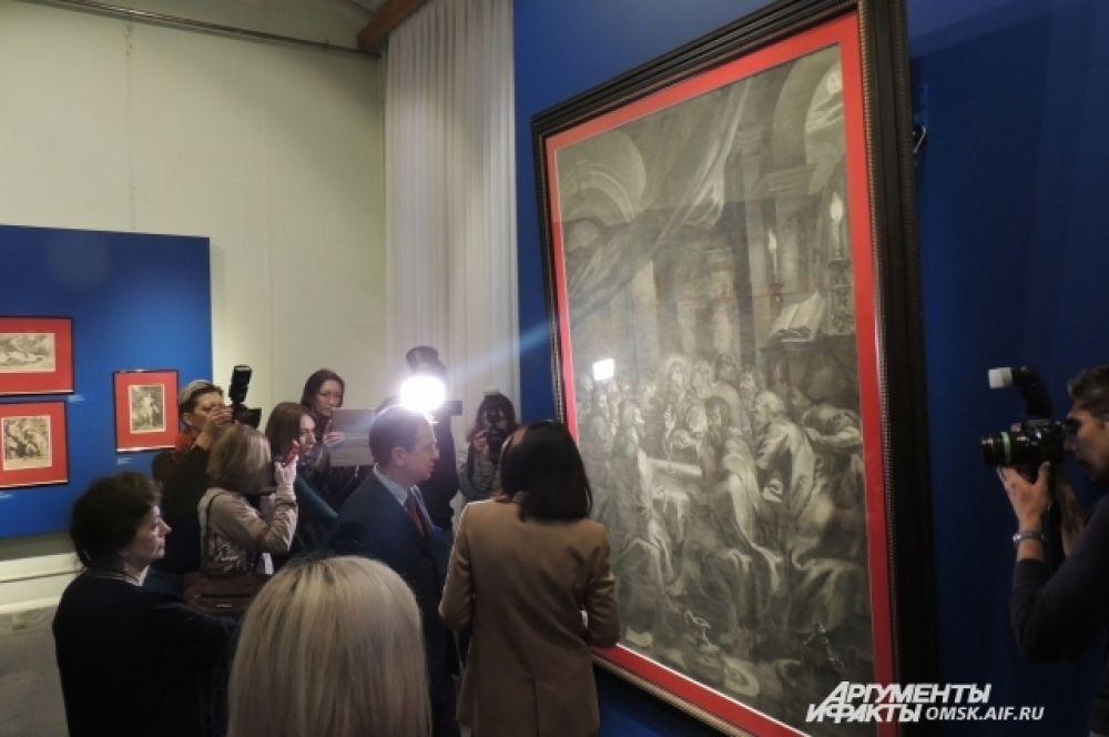 Владимир Мединский осматривает выставки музея имени Врубеля