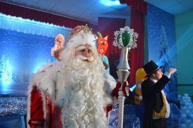 В Трещевском Деда Мороза ждали и взрослые, и дети.