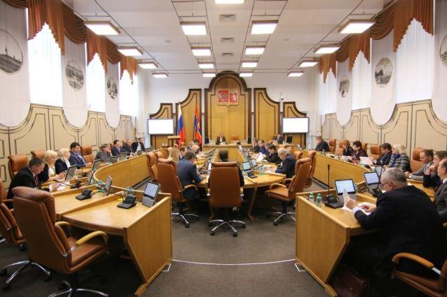 Проект бюджета обсудят депутаты.