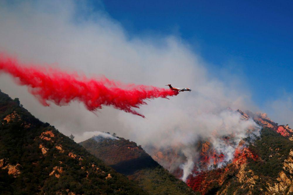 Лесные пожары в Малибу, Калифорния.